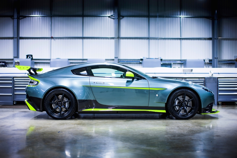 Aston Martin Vantage GT8. April 2016 Photo: Drew Gibson