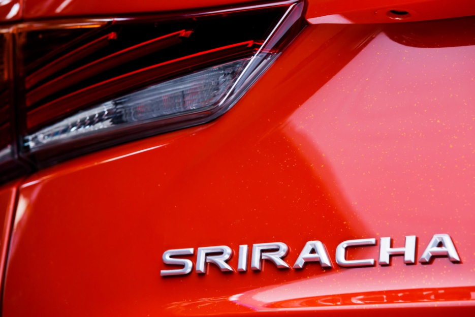 lexus-sriracha-is-7