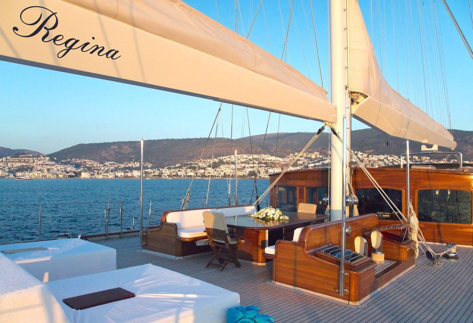 sailing-yacht-regina-midship-deck